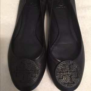 Tory Burch size 10 navy blue Croc leather flats
